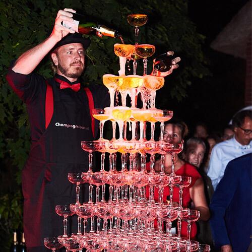 Bedrijfsfeest organiseren champagne toren